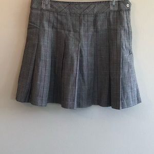 Divided pleated skirt